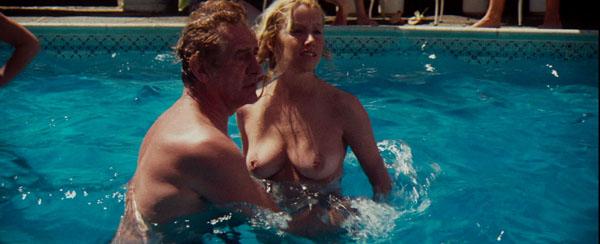 CARMEN: Water skiing babes nude